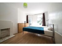 ***** LOVELY TWIN ROOM IN TURNPIKE LANE FOR COUPLE/FRIEND *****