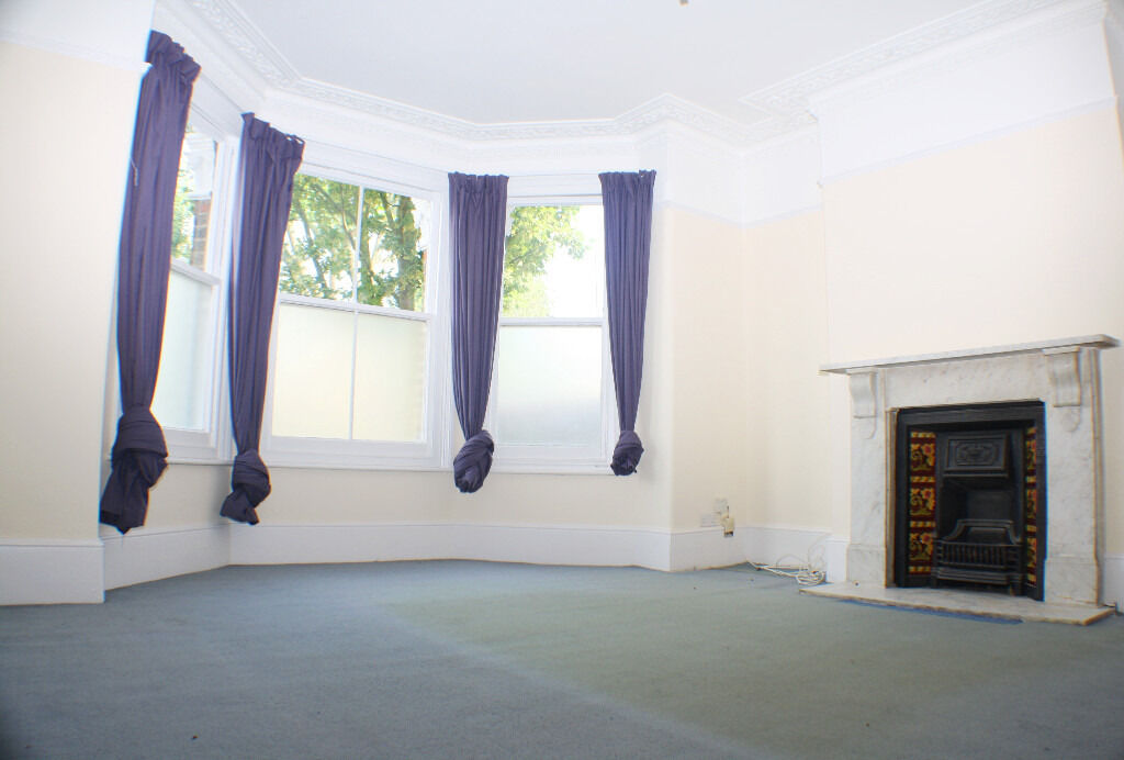 Beautiful 3 Double Bed Family Terraced House Available In Plumstead