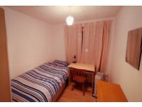 1 Double and 1 Single room in comfy flat, strategic location