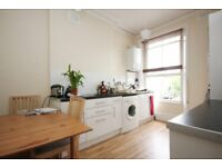 A spacious 3 bedroom apartment with garden access in Crouch Hill. N8