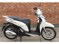 Honda SH Mode 125, Excellent condition, ONLY 680 miles done.