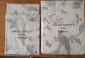 Laura Ashley Double Duvet & 2 pillowcases. BNWT