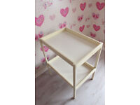 BABY CHANGING UNIT WOODEN TABLE STATION CHANGER BED AND WITH MAT used as new. M27 8WG