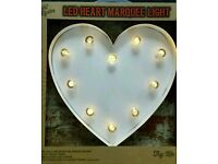 New In Box White Heart Marquee Shape LED Light Home 10 Bulb Battery Operated
