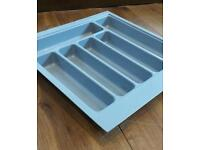 Cutlery tray for drawer