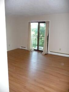 Beautiful 2 Bedroom Apartment Available in Stirling
