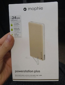Mophie Powerstation Plus Battery pack includes cables