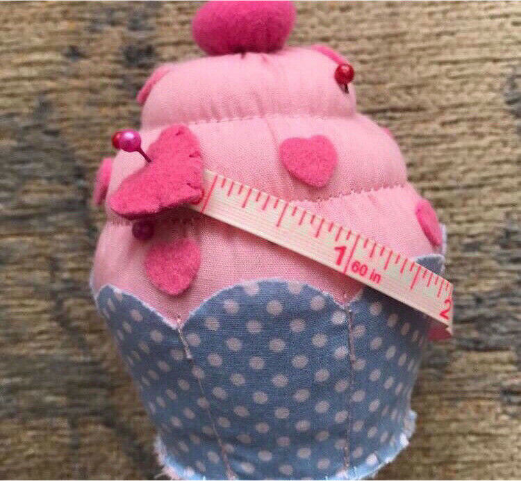 C brand new cupcake tape measure