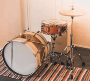 Need a SIMPLE  kit, BASS SNARE & HATS