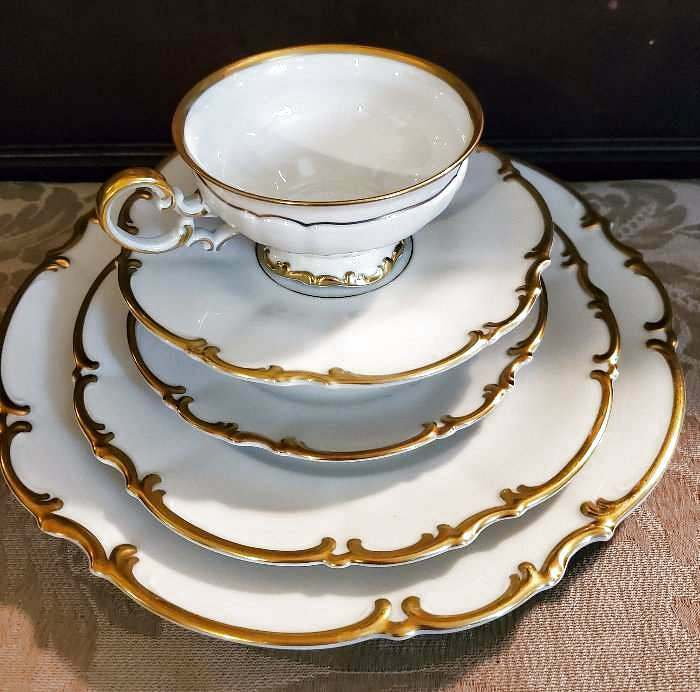 Hutschenreuther Selb Bavaria Germany China Sylvia Pasco Gold 6 Pc Place Setting