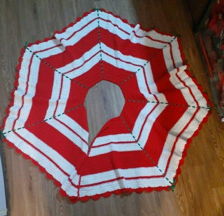 "Vintage Handmade Crochet Tree Skirt with Ribbons Large 53"""