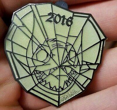 Not Very Scary Halloween Party (Mickey's Not So Very Scary Halloween Party Spider Web Mystery Stitch Disney)
