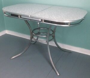 Vintage, Atomic, 1950's Formica Cracked Ice Oval Kitchen Table