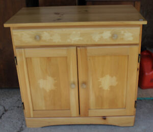 Pine Cabinet With 1 Drawer & 2 Doors