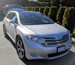 2009 Toyota Venza - LOW KMs!