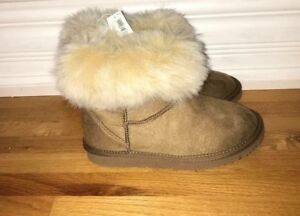 NEW Girls size 2 Boots