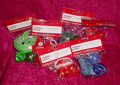 - HOLIDAY TIME CAT TOYS ** 2 BELL BALLS AND PLUSH TOY ** NEW ** 3 INCH DIAMETER **