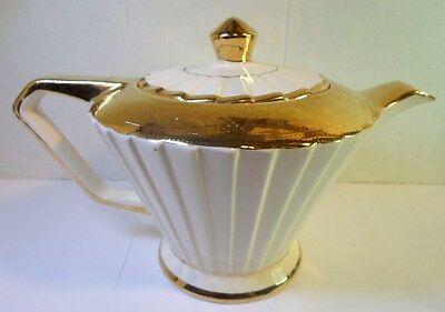 Vintage SADLER ART DECO PLEATED TEAPOT - CREAM & GOLD GILT Ptrn 2131 England