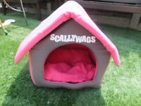 Kennel shaped Small dog / cat bed / hideaway