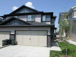 BEAUTIFUL 3BR DUPLEX WITH DBL ATTACHED GARAGE IN SHERWOOD PARK