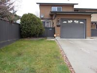 SPACIOUS 3-BDRM DUPLEX WITH SINGLE ATTACHED GARAGE IN NORTH EAST