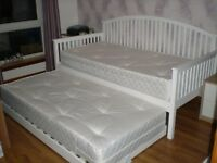 White Wood Day Bed & Trundle Bed