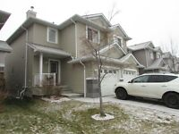 *** 3 BDRM, 2.5 BATH TOWNHOUSE WITH SINGLE GARAGE IN MAGRATH ***