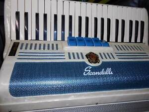VINTAGE SCANDALLI PIANO ACCORDIAN Torrensville West Torrens Area Preview