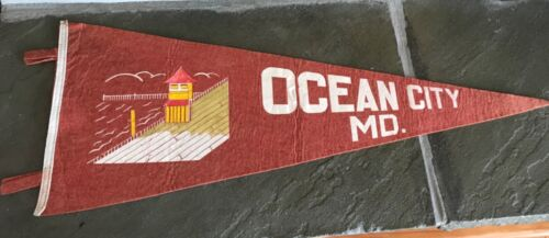 VINTAGE SOUVENIR OF OCEAN CITY MARYLAND FELT PENNANT