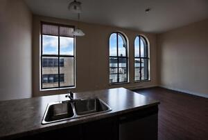 Unit Available in the Heart of the City!!