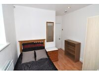 Fantastic room with a private terrace in West London, all bills and cleaner included