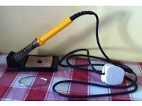 ANTEX 25W SOLDERING IRON + STAND & SOME SOLDER - bargain £ 18 ovno