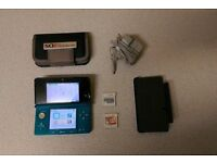 Nintendo 3DS + 3 Games and Accessories