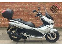 Honda pcx in excellent Condition, LOW MILLAGE!