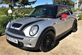 2005 MINI COOPER S SILVER WITH BLACK ROOF FULL LEATHER INTERIOR PANORAMIC ROOF 1 YEARS MOT !!