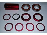 Blank BMX 22mm Bottom Bracket/Bearings - 11 Piece Full Set - UNUSED & BOXED - Candy Red