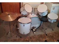 Rockburn 7 piece drum kit in white.