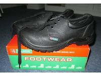 Safety Shoe with Steel Toe Cup from Click Footwear Size 41/07 Black