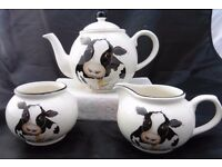 "Lovely large Arthur Wood Cow ""back to front"" Teapot cream jug and sugar bowl."