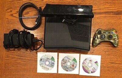 Xbox 360 4gb Console W/ Kinect Sports, Controller, 2 Other Games.