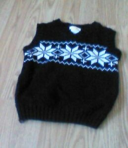Size 4 boys sweater vest $3