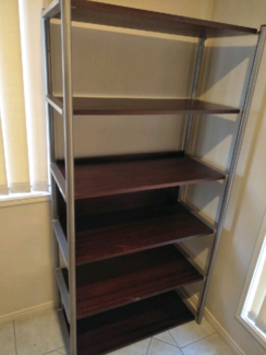 Shelving unit with side-tables