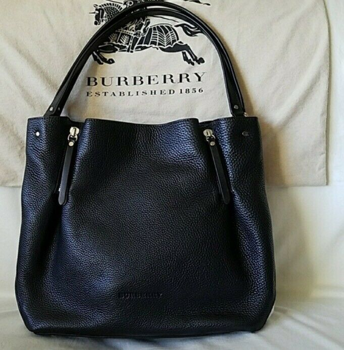 e92a8033bf3d Burberry Maidstone Leather Tote