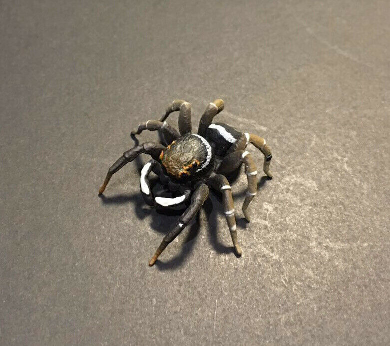 Kaiyodo Capsule Q House Jumping Spider Bug Insect Retired Figure with Adhesive