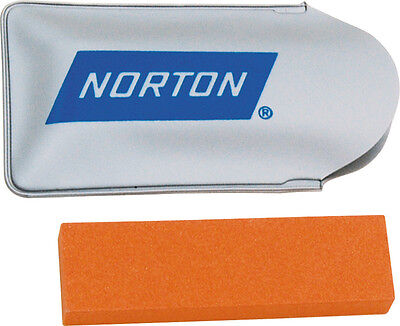 Sharpening Oil (NORTON INDIA 3 INCH ALUMINUM OXIDE OIL STONE SHARPENER, FINE GRIT NT346 )