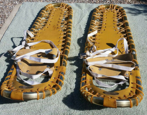 """Sherpa Snow Claw Snowshoes 31""""  USA Made EUC  Vintage"""