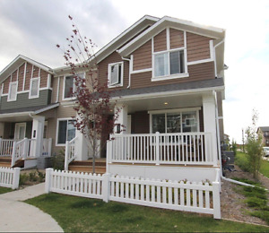 Beautiful Modern 2Bed Condo- Available Now!!