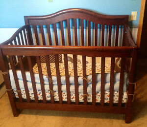 Excellent quality convertible crib