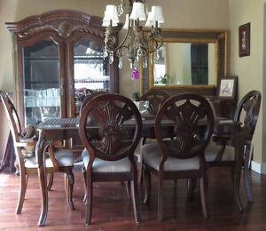 High Quality Beautiful Dining Set