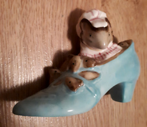 """1959 Beatrix Potter's """"the old woman in the shoe""""- England-$10"""